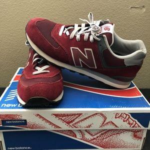 New Balance Men's 574v2 Sneaker, Burgundy, Size 11